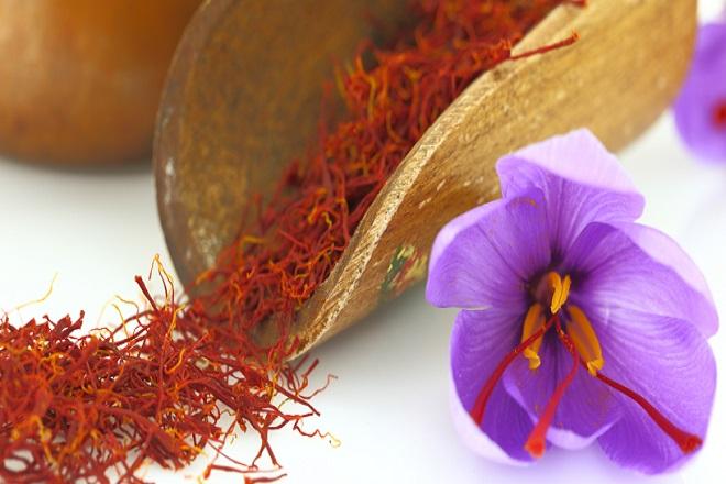 """Nhuỵ hoa hệ tây - Saffron được coi là """"vàng đỏ"""" chốn phòng the"""