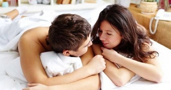 Trò chuyện có thể khiến nam giới tạm thời quên đi cảm giác muốn xuất tinh