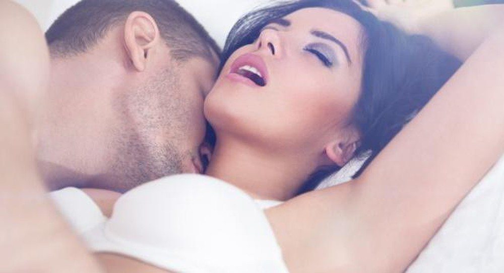 """Dùng bao cao su kéo dài thời gian quan hệ khiến phụ nữ dễ đạt """"đỉnh"""" hơn"""