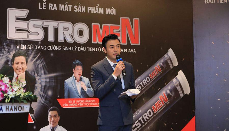 MC Tuấn Tú trong lễ ra mắt sản phẩm mới Estrogen