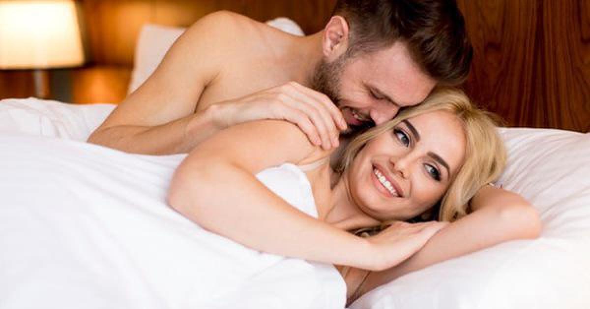 Hãy ôm ấp, trò chuyện với nàng sau khi ân ái để cuộc yêu hoàn hảo hơn