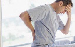 Đau lưng khiến nam giới giảm khoái cảm khi quan hệ
